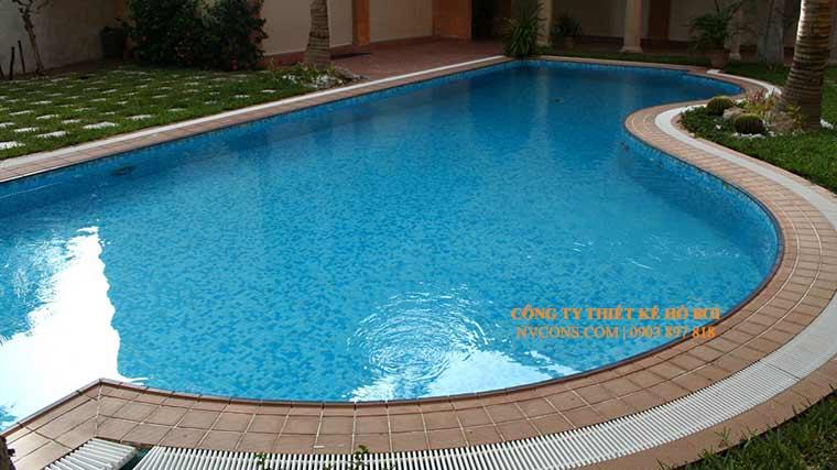 Thiết kế và thi công bể bơi gia đình hình dạng oval